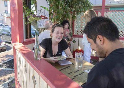 la-dona-mex-patio-service